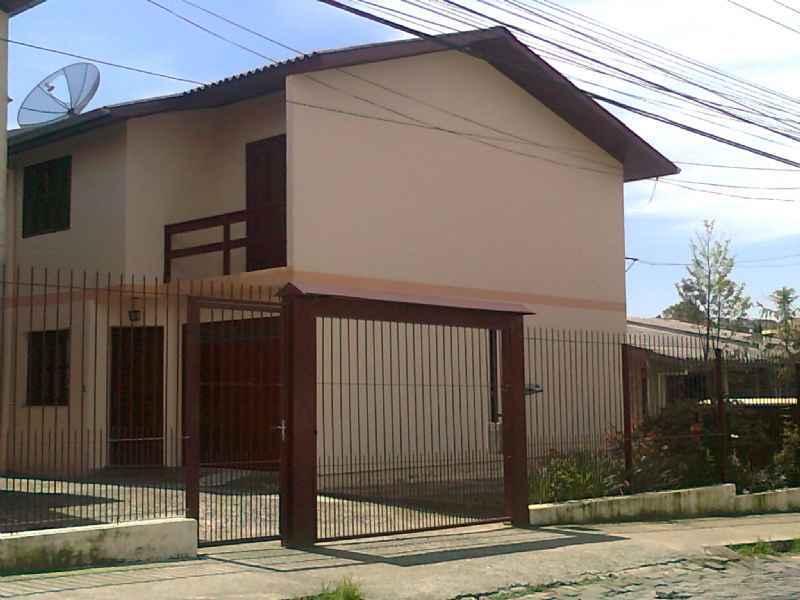 Sobrado              3 d  no bairro SAN VITTO            em Caxias do Sul