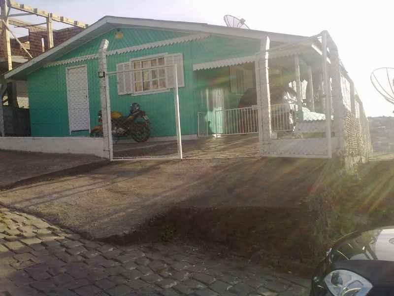 Casa                 3 d  no bairro DALL AGNOL           em CAXIAS DO SUL