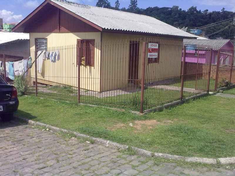 Casa                 3 d  no bairro SANTO ANTONIO        em CAXIAS DO SUL