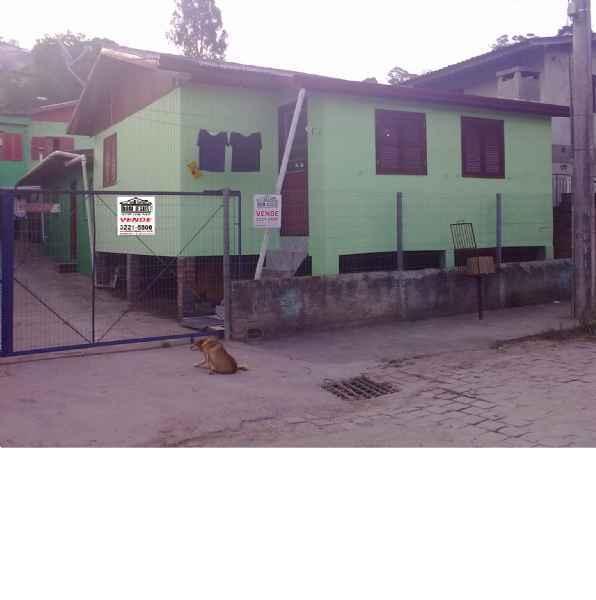 3 Casas Mistas       4 d  no bairro GLÓRIA               em CAXIAS DO SUL