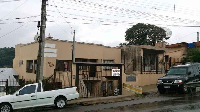 Apto                 2 d  no bairro NOSSA SENHORA DE LOU em Caxias do Sul