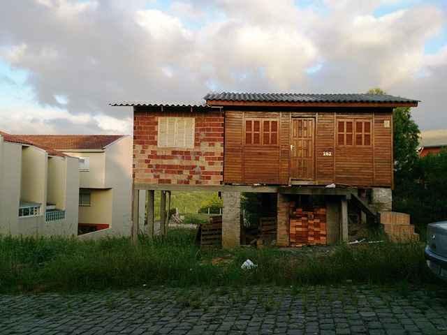 Terreno              no bairro SANTOS DUMOND        em Caxias do Sul