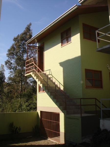 Casa                 2 d  no bairro MARECHAL FLORIANO    em CAXIAS DO SUL