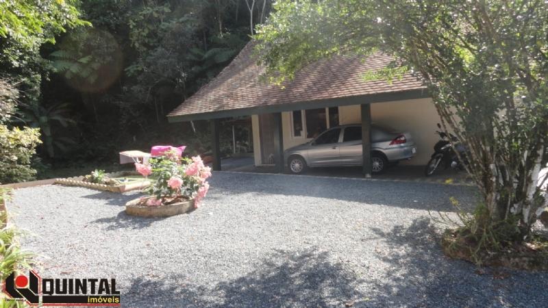 Venda de Casa-Residencial em Blumenau